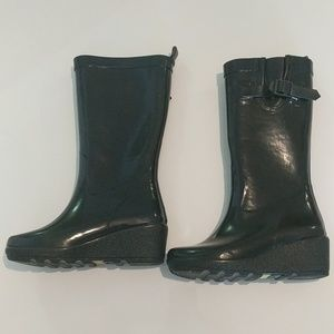 Capelli 6 women's wedge tall rain boots preloved